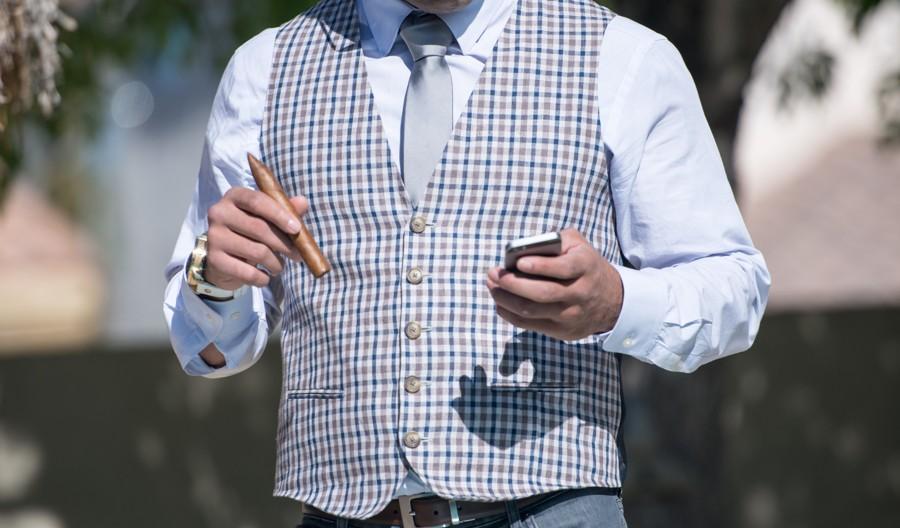Vzorovaná vesta k obleku