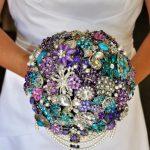 Brožová kytice pro nevěsty, které milují lesk a třpyt