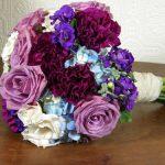 Kytice z hortenzií a růží