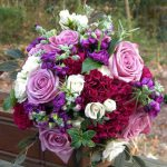 Fialovo růžová historický kytice