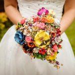 Kombinace květin a šperků