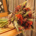 Podzimní kytice v oranžových tónech