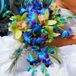 Tropická kytice s pavím peřím