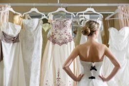 Jak na levné svatební šaty ajak radši ne