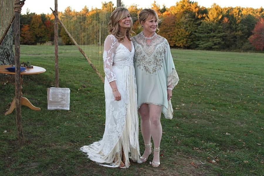 Oblečení pro matku nevěsty a ženicha proberte s nevěstou.