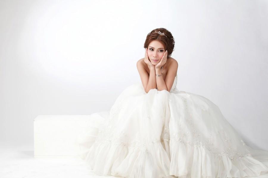 376f40c115c6 Zkoušení šatů ve svatebním salonu  Nezapomeňte na tyto 4 věci