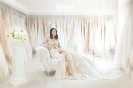 Co ssebou ana sebe na zkoušení svatebních šatů