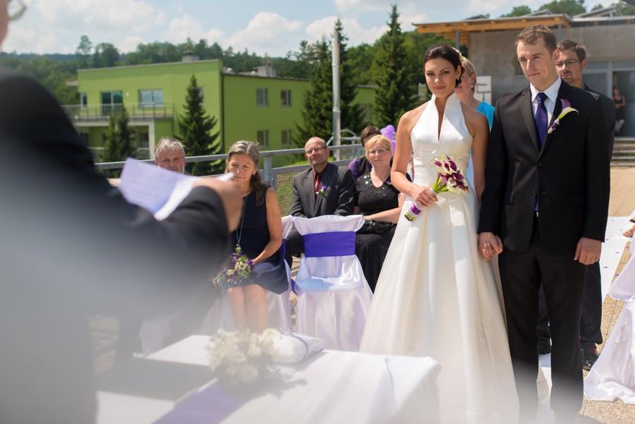 Uljana s Jakubem zvolili moderní a elegantní styl svatby
