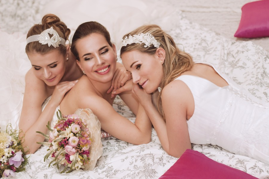 Svatební focení redaktorek Vše o svatbě. V případě špatného počasí si usteleme kdekoliv :)