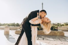 Jak vypadat krásně na svatebních fotografiích? Pózujte jako modelka