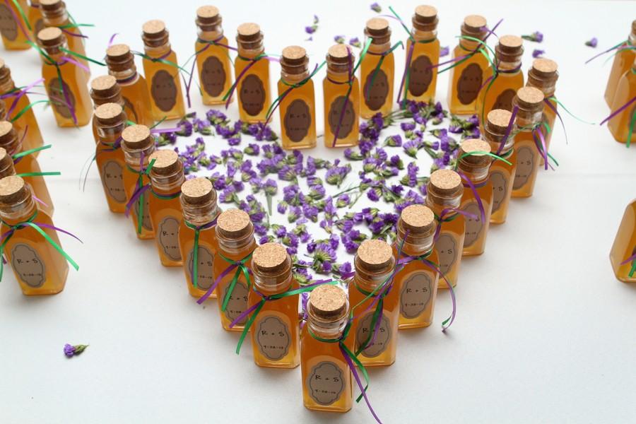 Med jako dárek pro svatební hosty