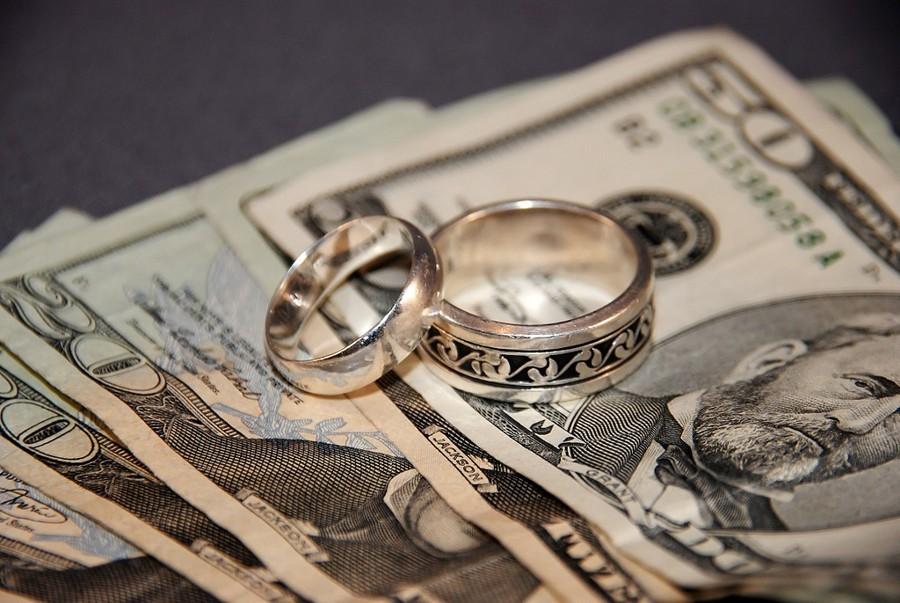Zjistěte kolik by měla stát vaše svatba. Průměrné svatební rozpočty průměrných svateb.