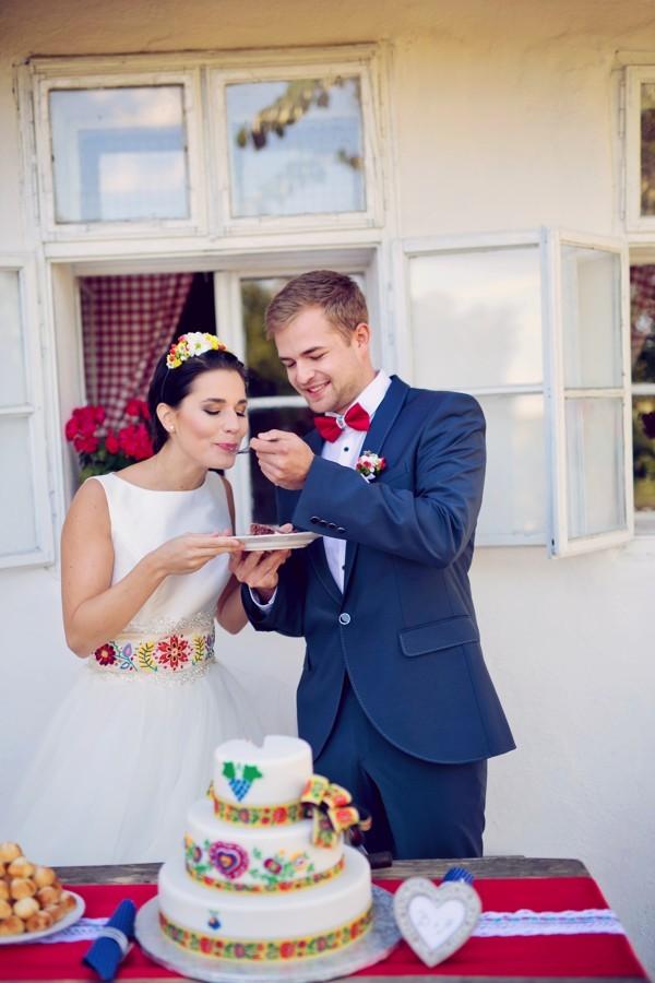 krajeni-a-ochutnavka-svatebniho-dortu