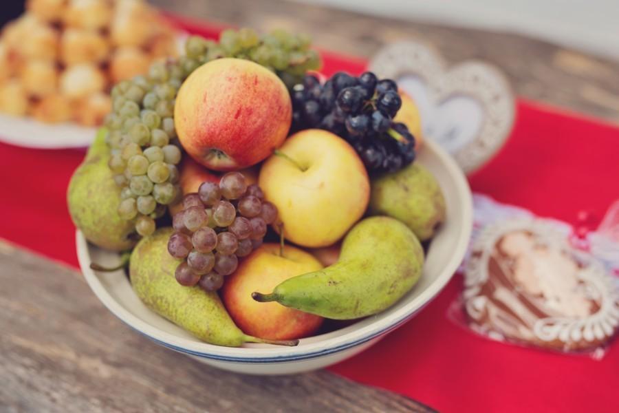 u-tradicni-moravske-svatby-nemuze-chybet-sezonni-ovoce-a-hrozny
