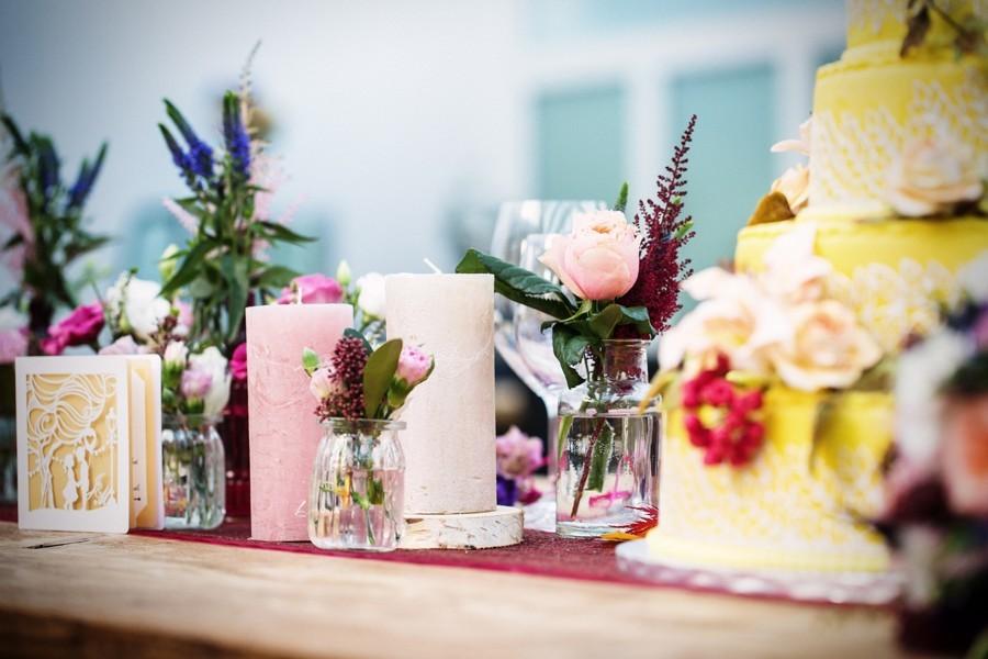 dekorace-na-svatebni-tabuli