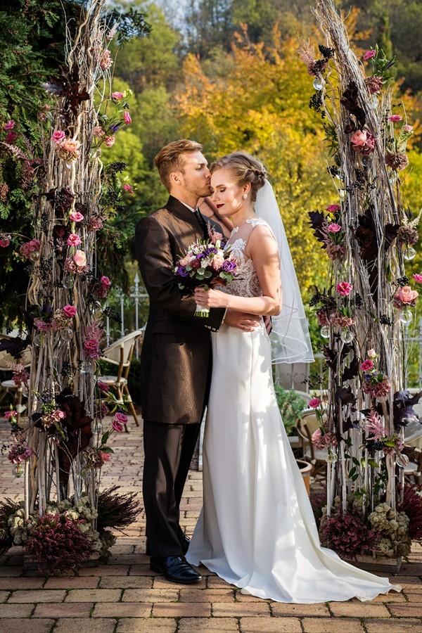 podzimni-svatebni-obrad-s-proutenou-slavobranou