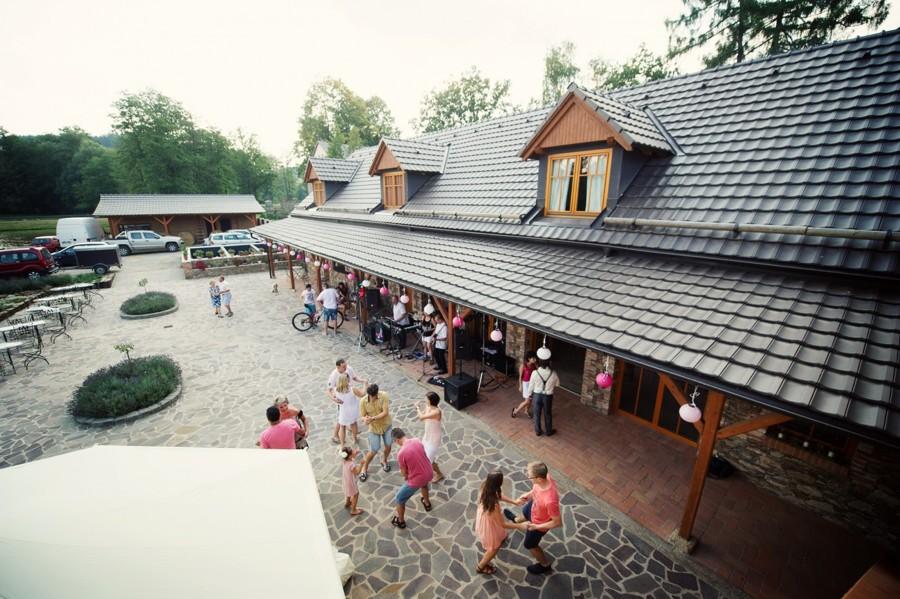 svatebni-party-v-hodejovickem-mlyne