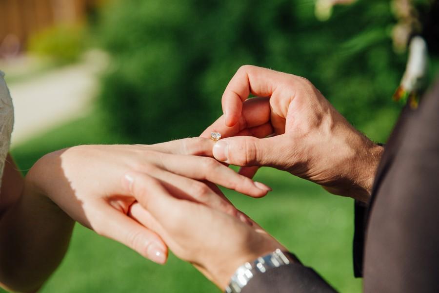 diamantovy-snubni-prsten