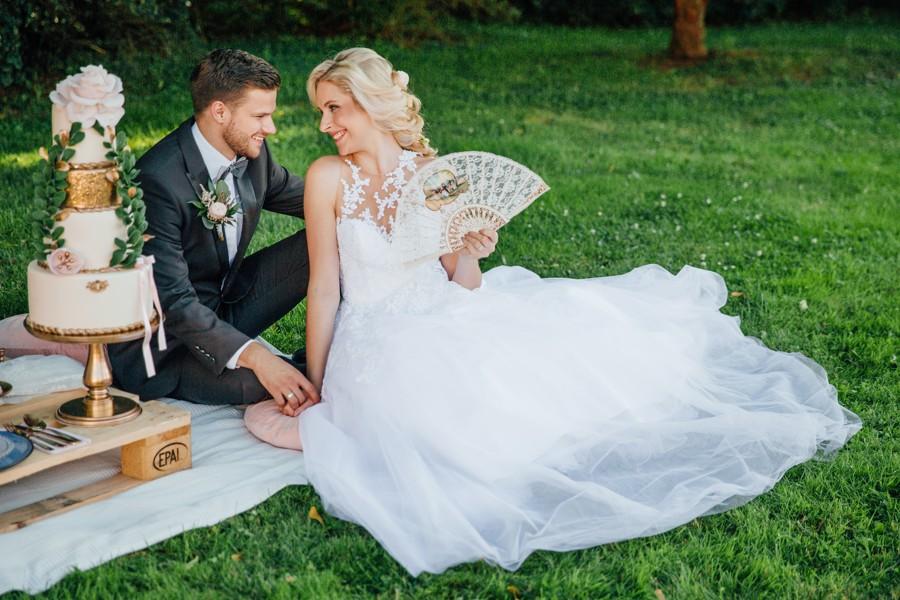 romanticky-picknick-v-zamecke-zahrade