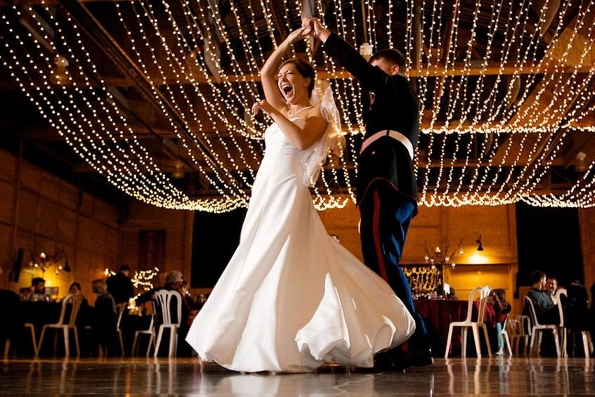 Připravili jsme pro vás seznam písniček pro tanec s tatínkem nevěsty.