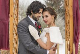 Fotoeditoriál Vášnivá zimní svatba očima floristky Romany