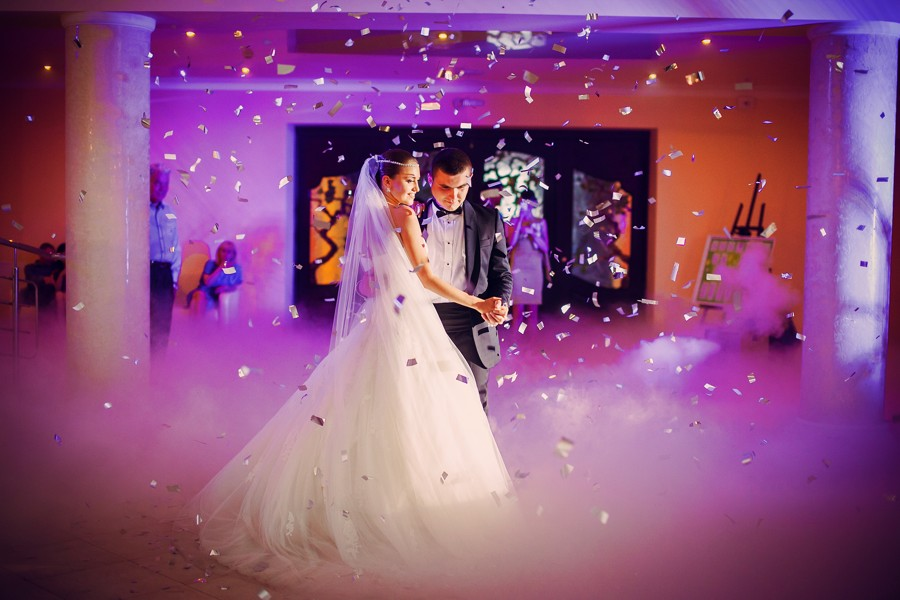 Svatební zábava je důležitá, ale nic se nemá přehánět. Nechte hosty se bavit podle jejich představ.