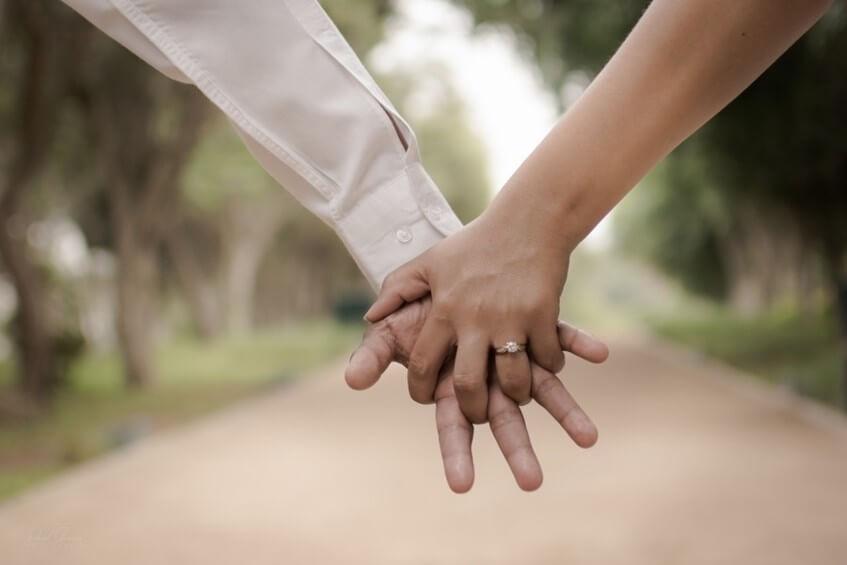 První kroky v plánování svatby po zasnoubení.