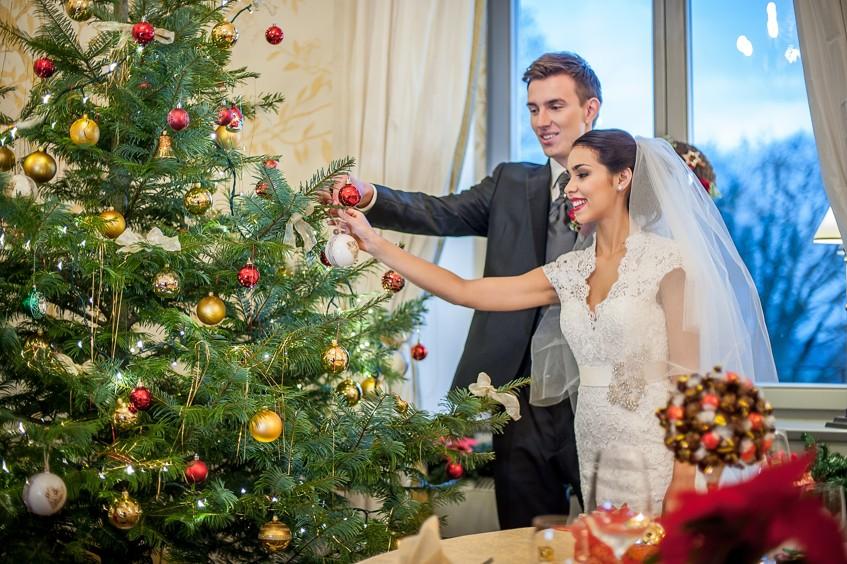 Romantická vánoční svatba na Chateau Mcely