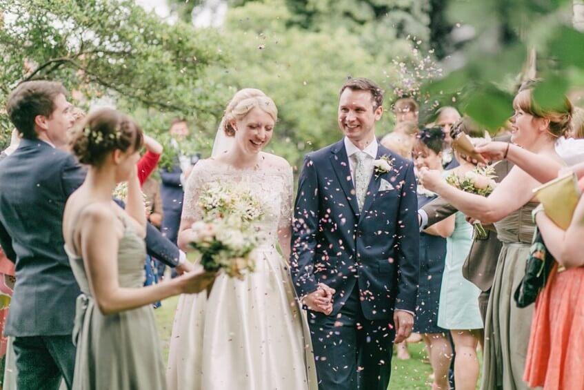 Rozhodněte se, jestli na svatbu pozvete i děti a jestli najmete svatební koordinátorku.