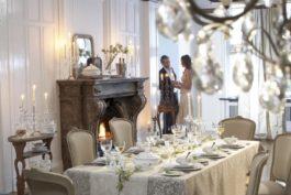 Krásně aelegantně prostřený svatební stůl sLuxury Table