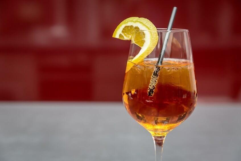 Proseco, Aperol a soda dohromady vytvoří osvěžující letní drink.
