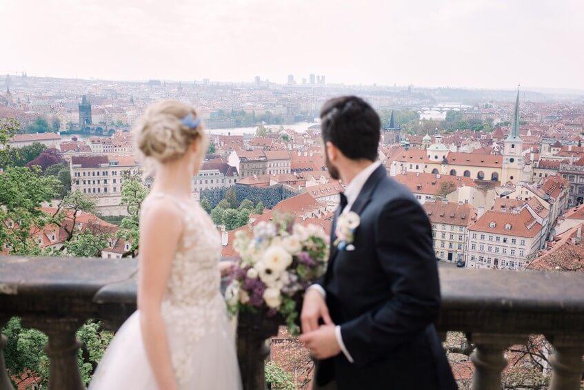 Praha jako na dlani ve svatební den.