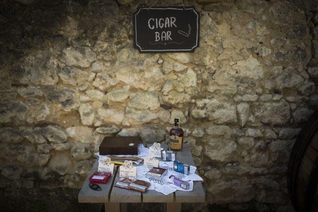 Doutníkový bar.