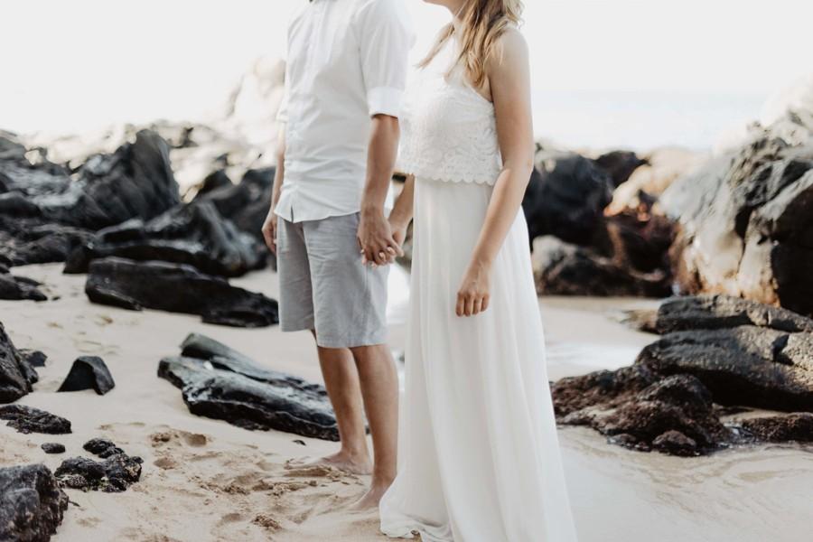 Při obřadu se ženich a nevěsta drželi za ruce.
