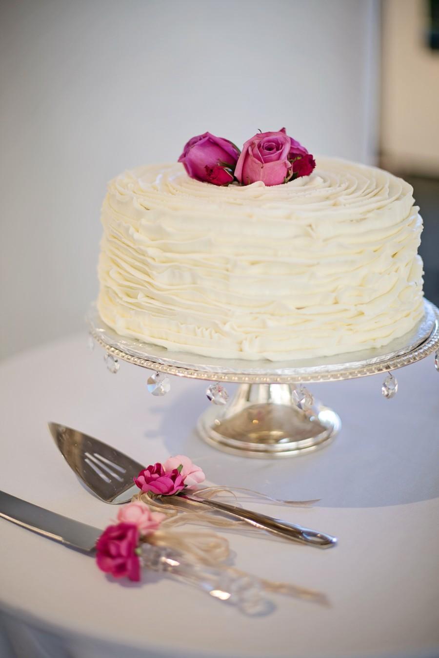 Snoubenci se vymkli tradici a vybrali si nezvyklý svatební dort.