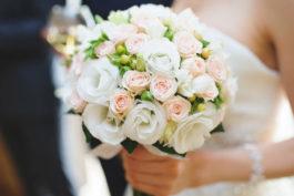 Kdo všechno má mít vden svatby svatební kytici? Toto jsou ty nejdůležitější osoby