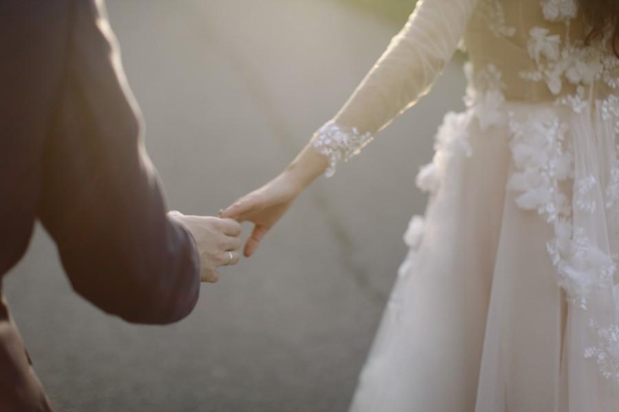 Fotka s novomanželi
