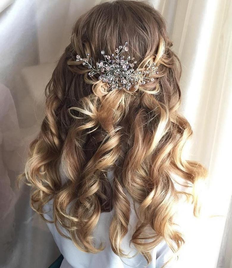 svatební polorozpuštěné vlasy