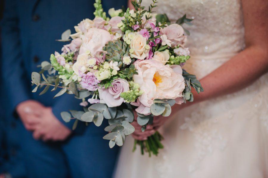 krásná svatební kytice