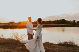 Svatební šaty pro rok 2021, které ovládnou příští svatební sezónu