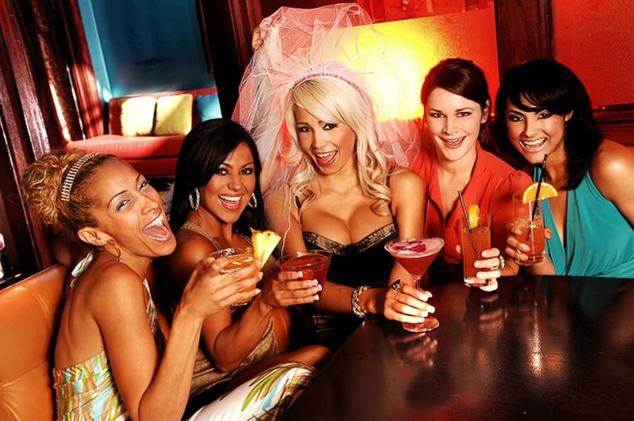 Hry na rozlučku do baru.