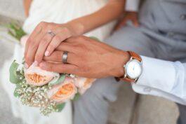 Co vyrýt na snubní prsten? Máme pro vás několik tipů!