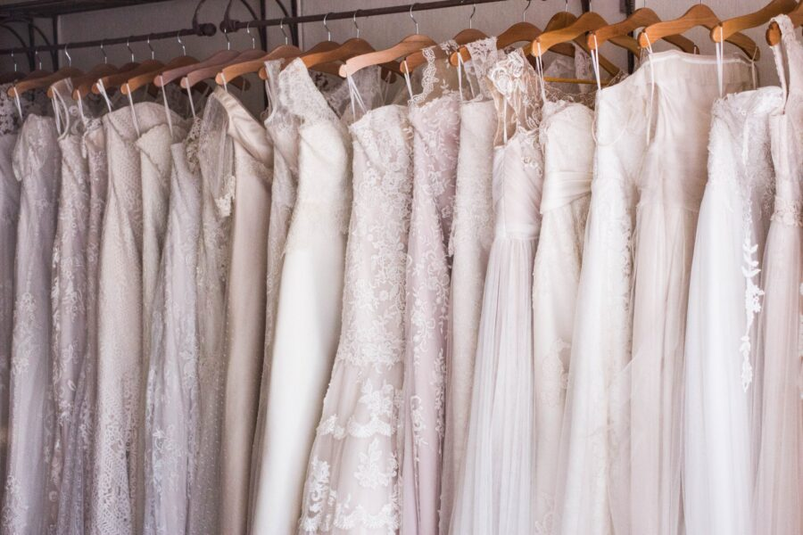 svatební šaty pro rok 2022